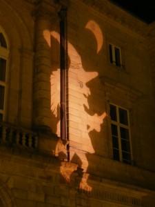 La sorcière KUNT sur la Mairie